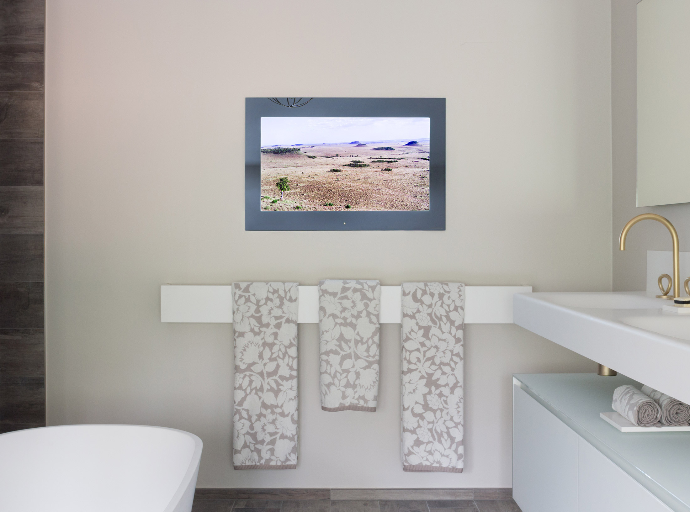 Aquavision Waterproof Bathroom Television Televisions