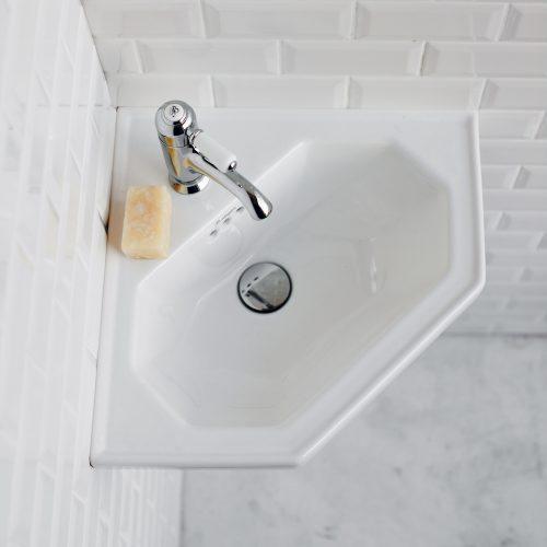 West One Bathrooms Corner 01