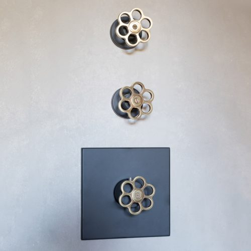 5th Avenue Shower Controls