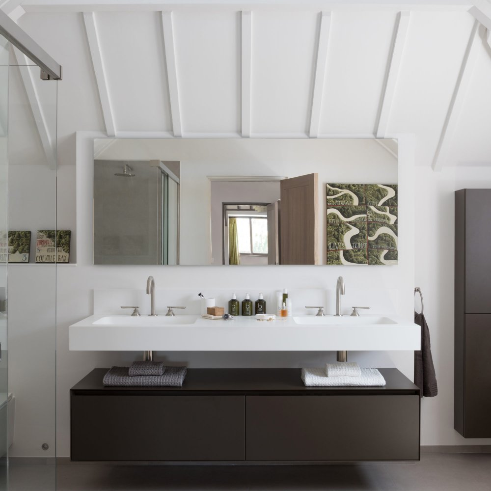 West One Bathrooms Belgiam Farmhouse Bathroom feature