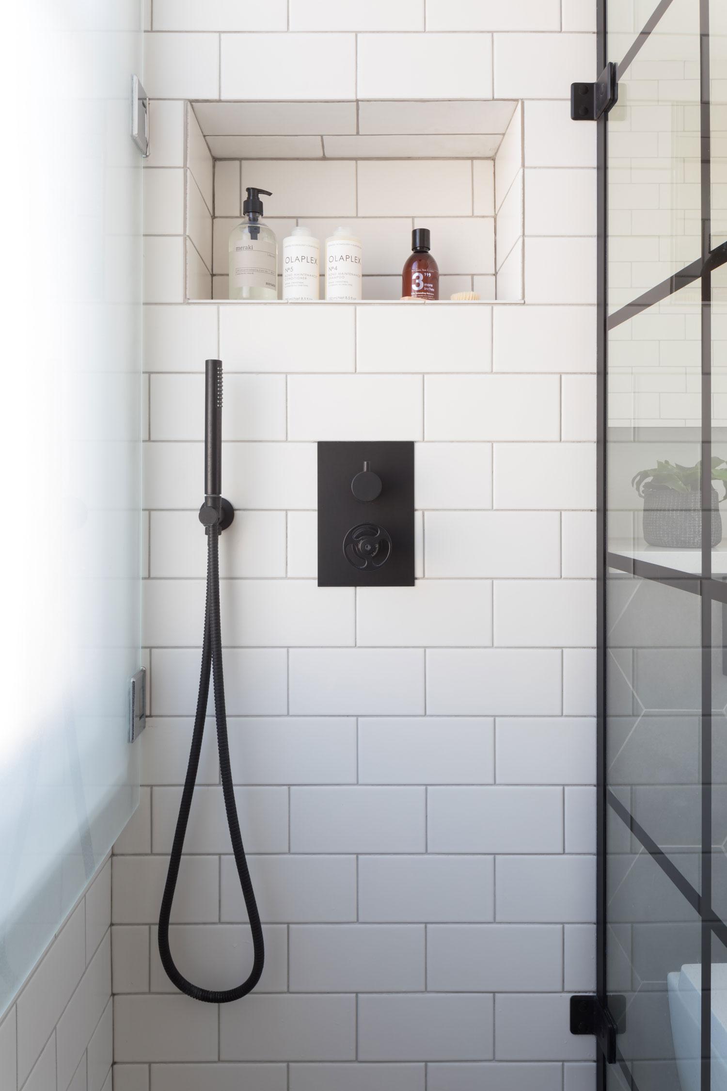Shower room 8