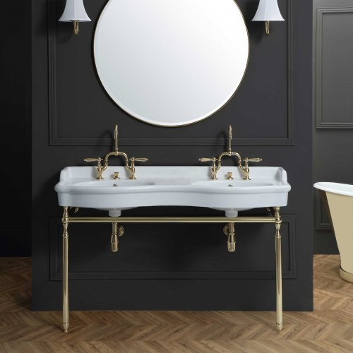 West One Bathrooms – Beaumont Basin – WithStand