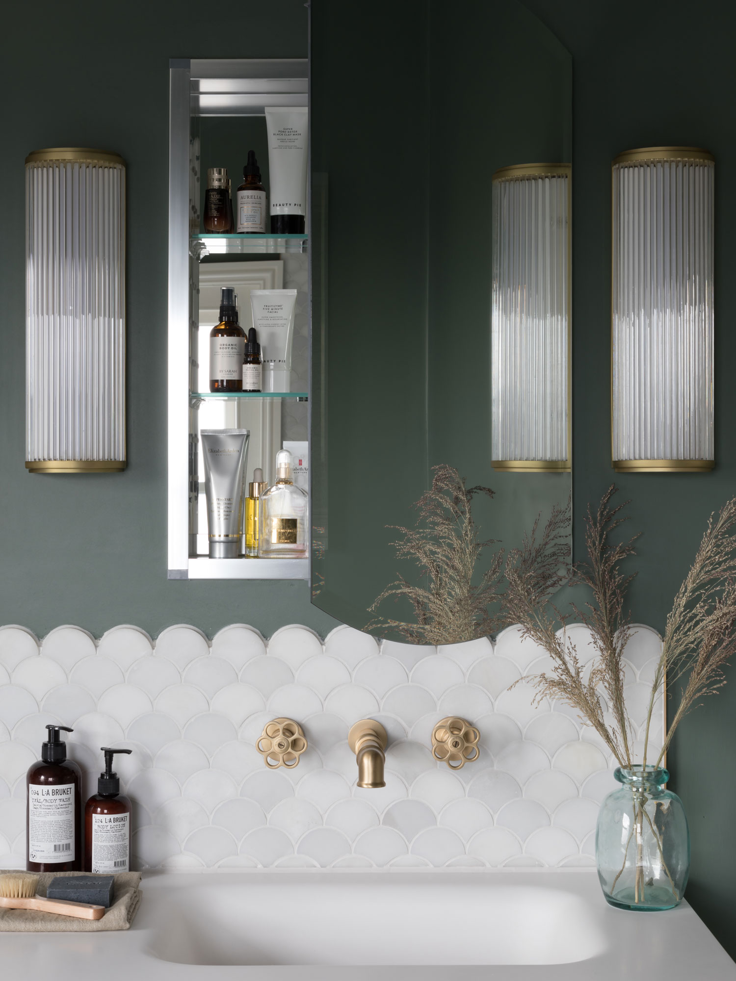 West One Bathrooms Inspiration How to plan storage in a bathroom image1a