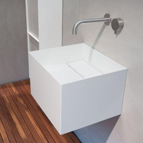 West One Bathrooms Zero20 white
